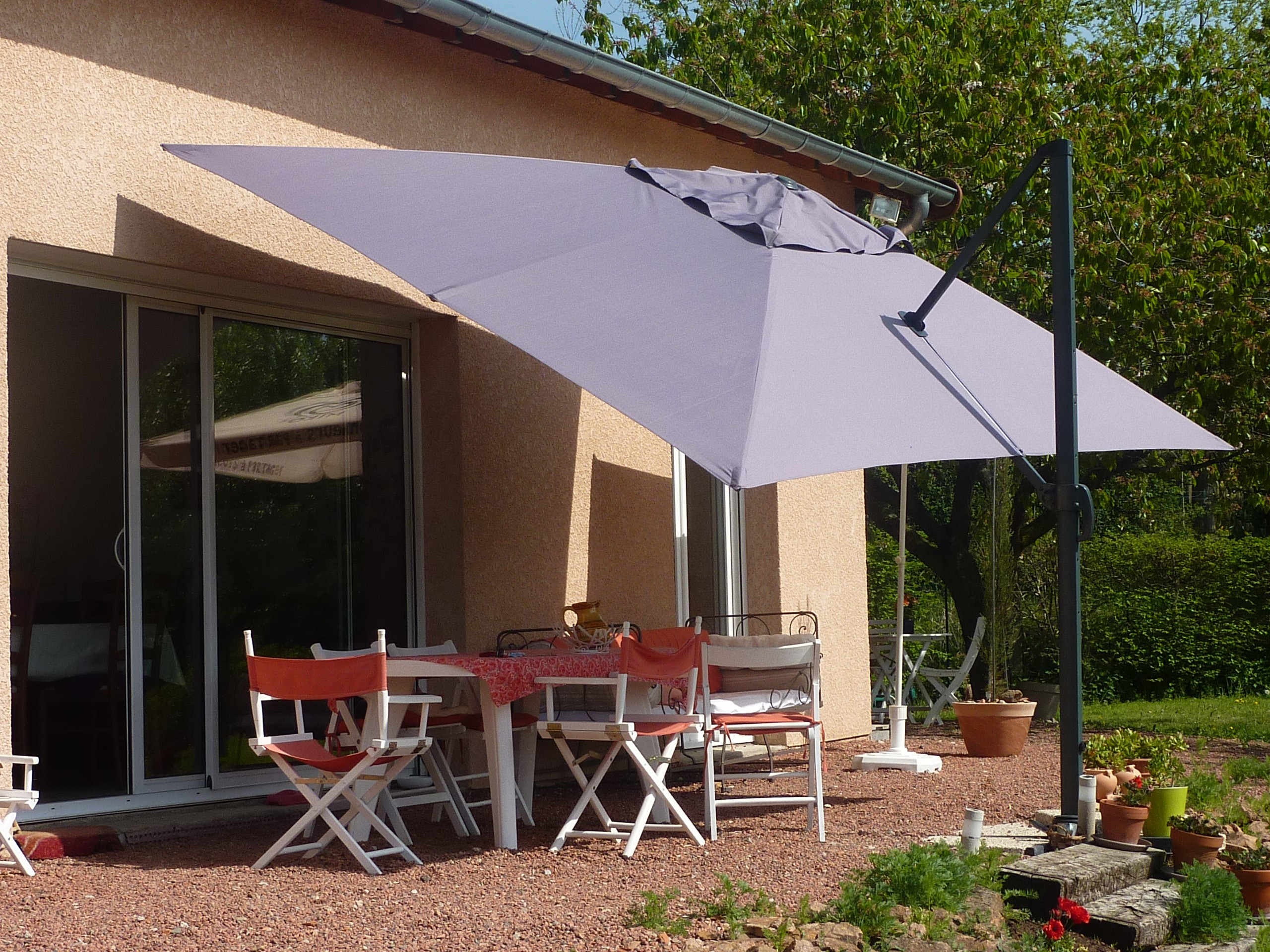 Comment entretenir son parasol d port news sud provence for Toile pour parasol deporte